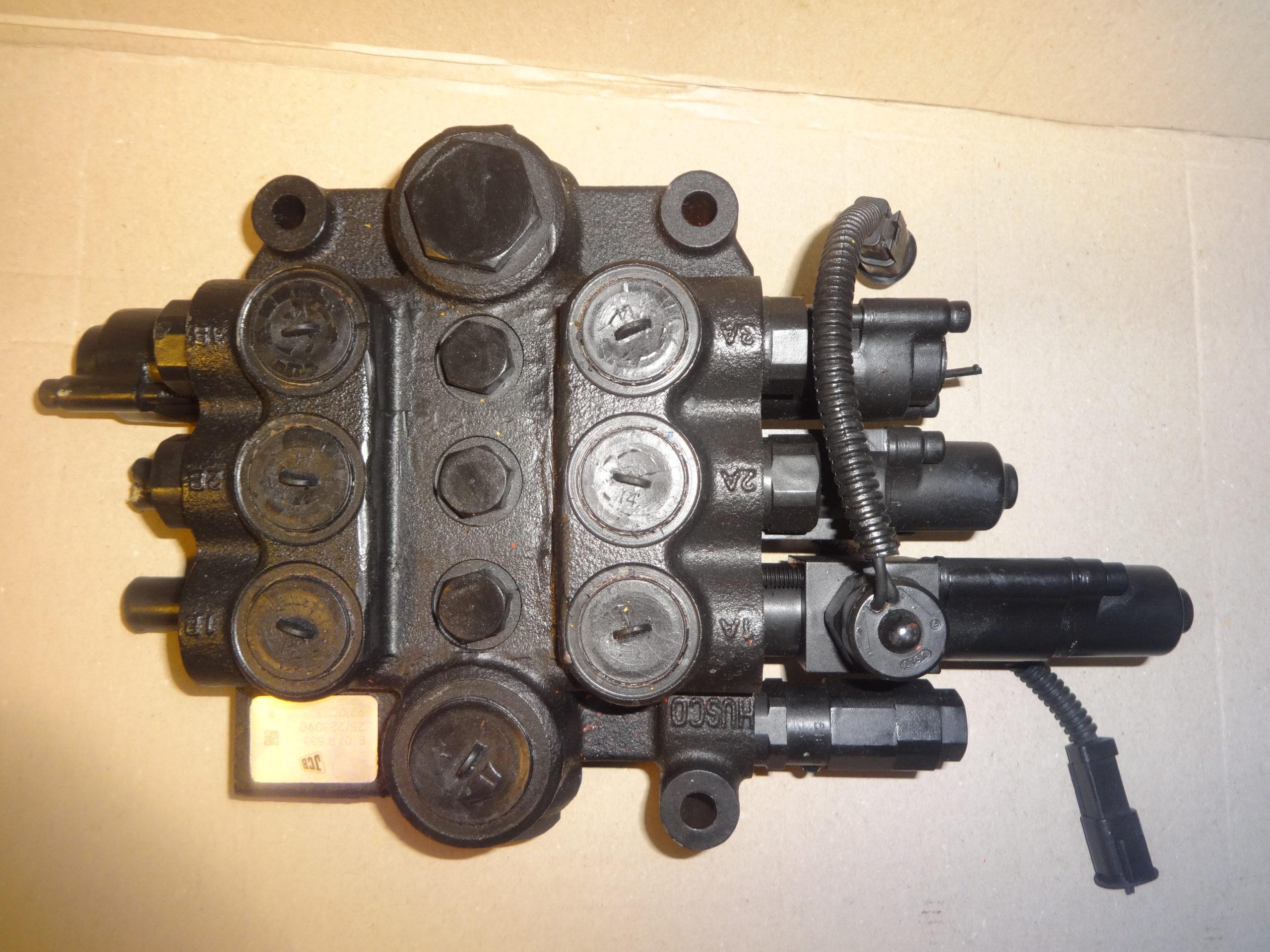 distributore idraulico jcb 25/223090
