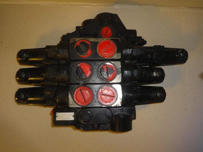distributore idraulico jcb 25/977800