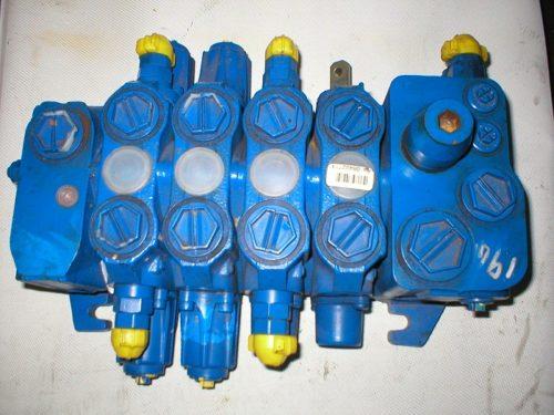 JCB 25/223643 valve block