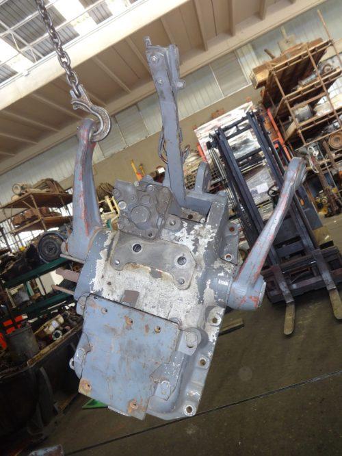 Hydraulic lift tractor