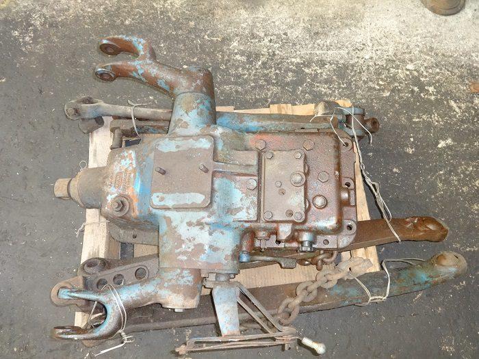 Sollevatore idraulico Fomoco per trattore