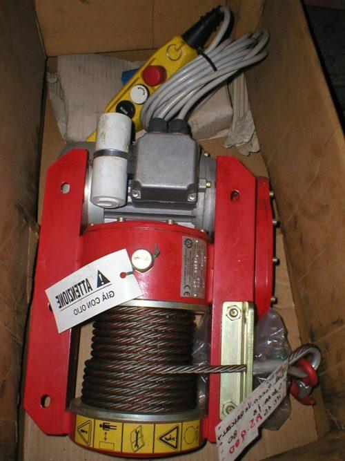 Verricello elettrico 900 kg