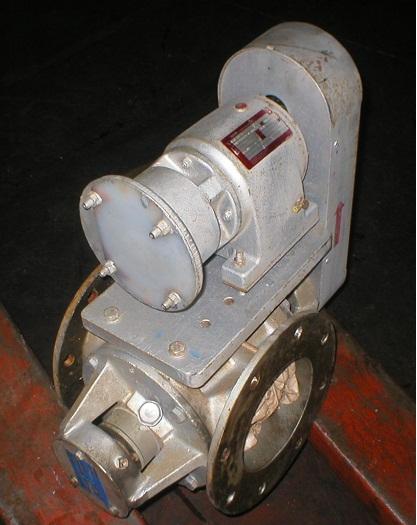 Pompa Vector R40