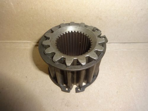 Axle toothed sleeve for friction discs